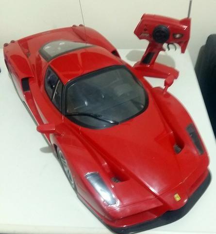 Carrinho de controle remoto Ferrari Enzo, escala 1:10