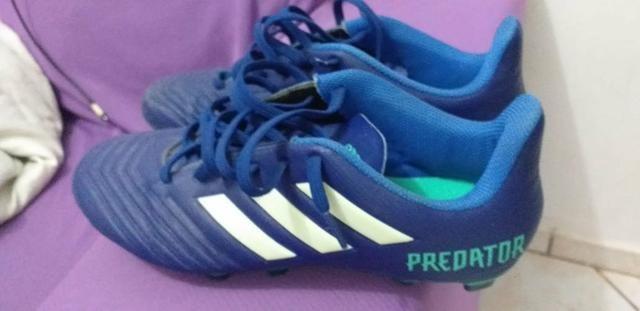Chuteira Adidas original predator