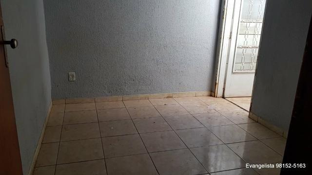 Urgente Linda Casa de 3 Quartos Escriturada + Barraco de Fundo - Foto 12
