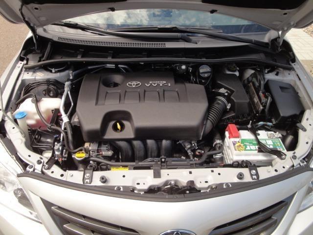 Toyota Corolla Xei 2013 Automático - Foto 16