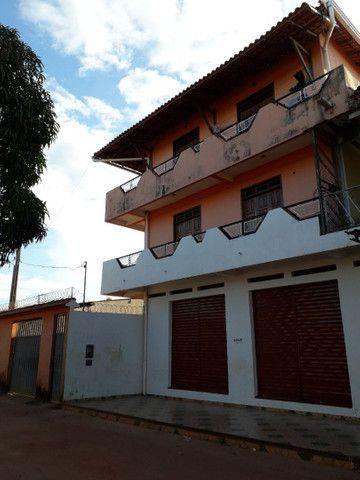 Alugo apartamento e ponto comercial no Diamantino
