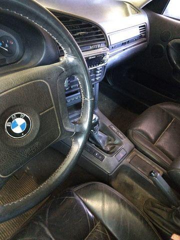 Vendo ou troco BMW 318is 1996 cambio manual teto solar doc.OK - Foto 5