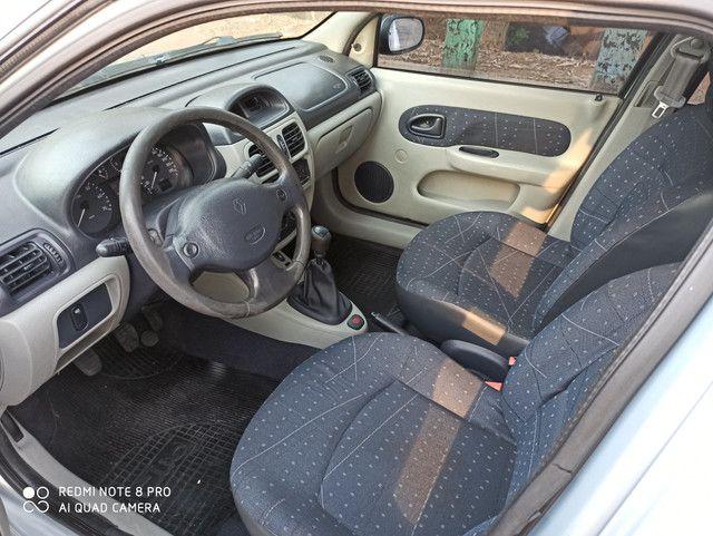 Clio sedan 2004 - Foto 3