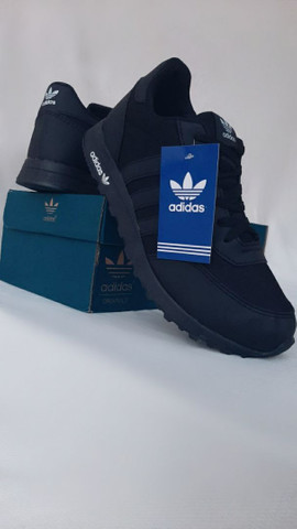 Adidas básic Black