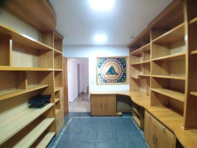Locação   Apartamento com 204.23m², 3 dormitório(s), 1 vaga(s). Zona 01, Maringá - Foto 17