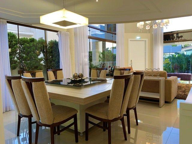Casa de condomínio para venda com 585 metros quadrados com 5 quartos - Foto 9