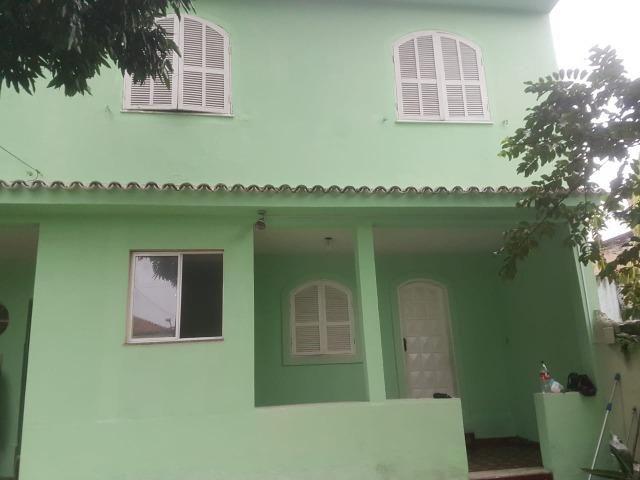 035 Casa 3 qts, quintal livre na frente - junto ao Viaduto - Nilópolis - Foto 3