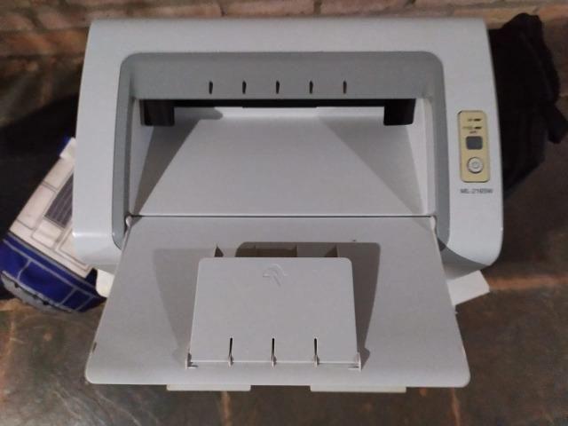 Impressora Laser Samsung ML 2165 W BW WiFi 110V Branca - Foto 2