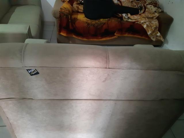 Vendo dois sofá semi novos - Foto 2
