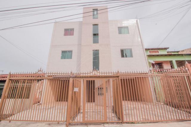 Qs 7 areal - prédio com 12 apartamento