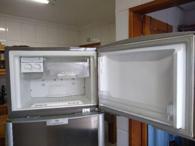 Refrigerador Brastemp Frost Free Duplex Ative Brm47b Inox - Foto 4