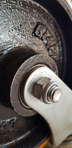 Rodízio Giratório Colson 300kg com freio  - Foto 2