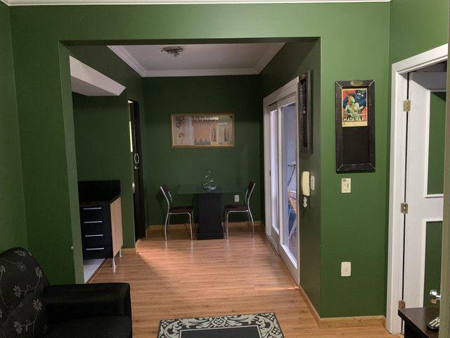 Apartamento de 1 dormitório e quitinetes mobiliadas e serviços
