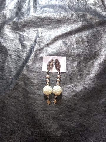 Bijus: Colares, brincos e pulseiras