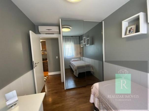 Ótimo apartamento com 03 dormitórios no bairro Balneário - Foto 14