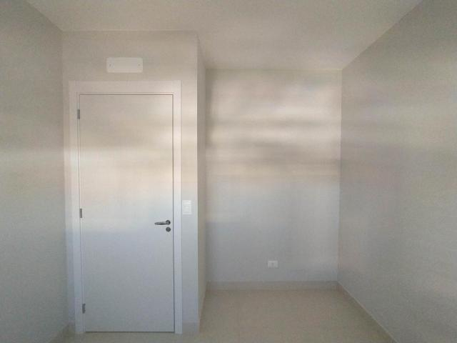 Locação   Apartamento com 81.26m², 2 dormitório(s), 2 vaga(s). Zona 01, Maringá - Foto 14