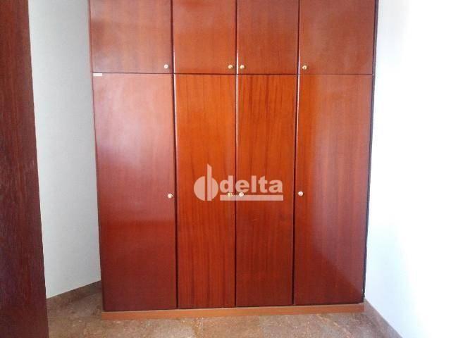 Apartamento com 3 dormitórios para alugar, 200 m² por R$ 2.500,00 - Centro - Uberlândia/MG - Foto 2