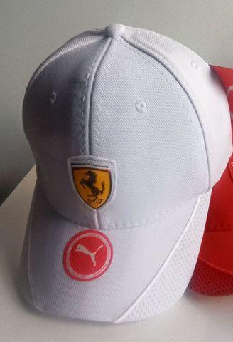 Boné Ferrari Premium