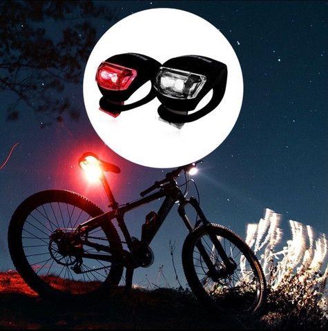 Kit par de luz de segurança para bike Bicicleta Sinalizadores Dianteiro e Traseiro 3 tempo - Foto 2