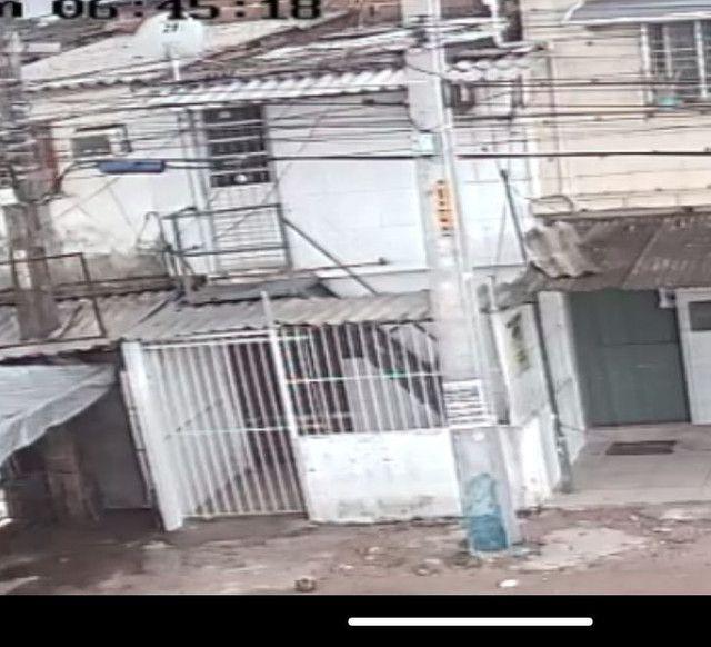 Vendo duplex com ponto comercial na Av perimetral em Olinda  r$95000 valor negociável