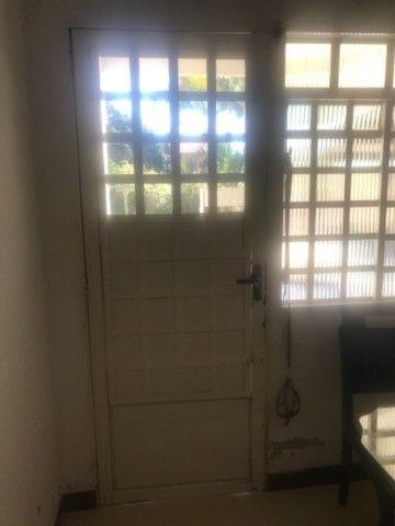 Vendo janelas e porta com vidros - Foto 3