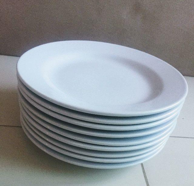 Pratos brancos - Foto 2