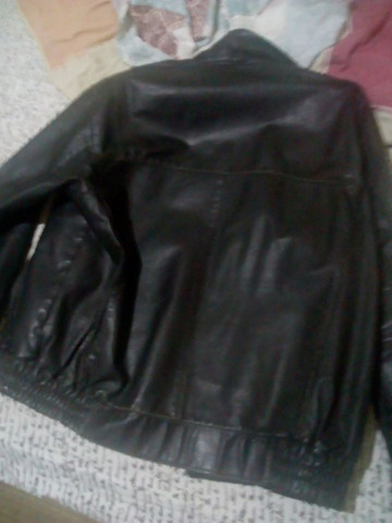 Vendo 2 jaquetas de Couro  - Foto 2