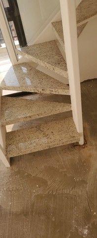Escada em ferro e marmore