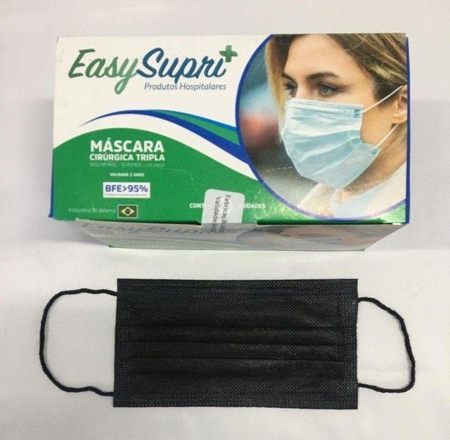Máscara Tripla Proteção Descartável Coloridas 50 unid. - Foto 6