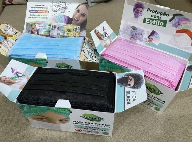 Máscara Tripla Proteção Descartável Coloridas 50 unid. - Foto 2