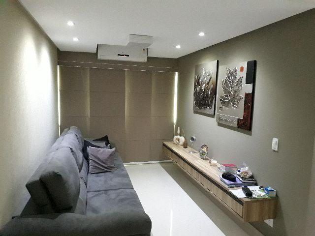 Apartamento totalmente Remodelado e Mobiliado no Parque dos Ingleses
