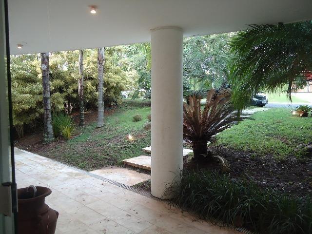 Casa Duplex 4/4, 2 suítes, 2 vagas, piscina, condomínio piatã