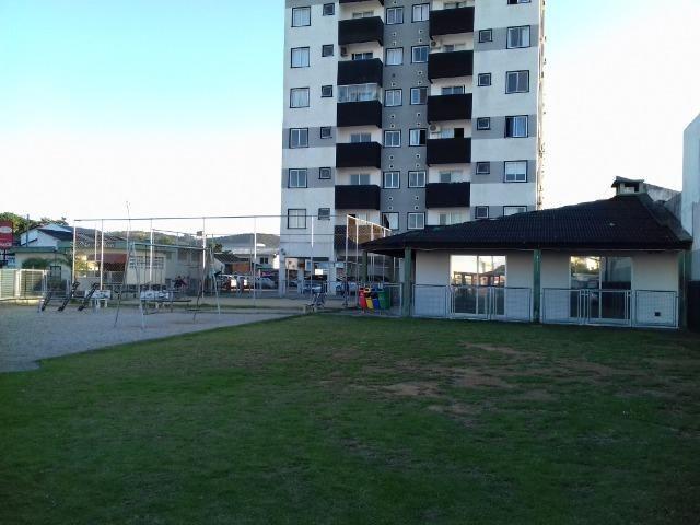 Apartamento em Barreiros São José