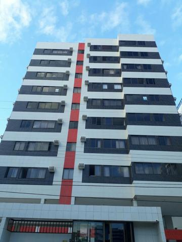 Apartamento na jatiúca com 65 MQ, 2/4 sendo 1 suíte, prédio com academia e salão de festas