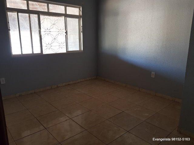 Urgente Linda Casa de 3 Quartos Escriturada + Barraco de Fundo - Foto 5