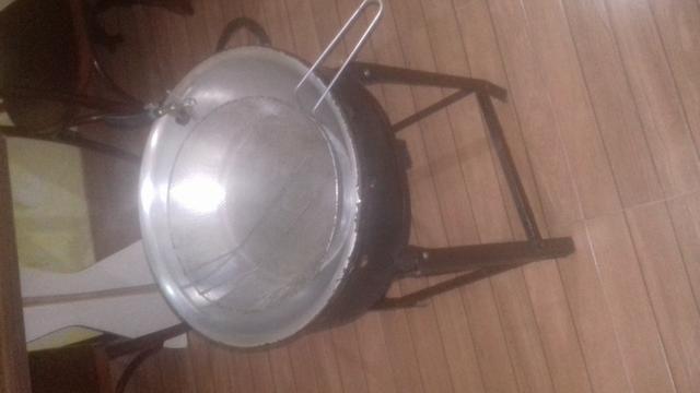 Vendo fritadeira a gaz semi nova - Foto 5