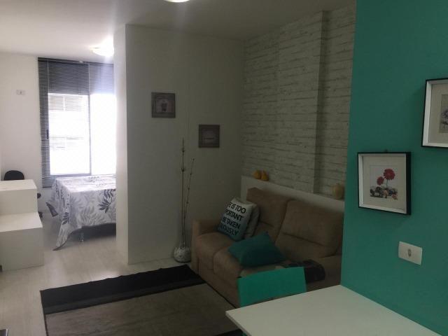 Stúdio mobiliado com garagem próximo do HC - Foto 2