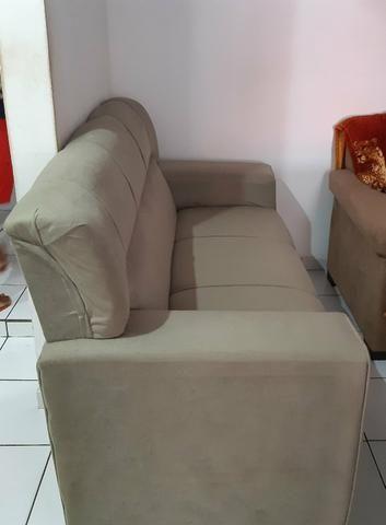 Vendo dois sofá semi novos - Foto 3