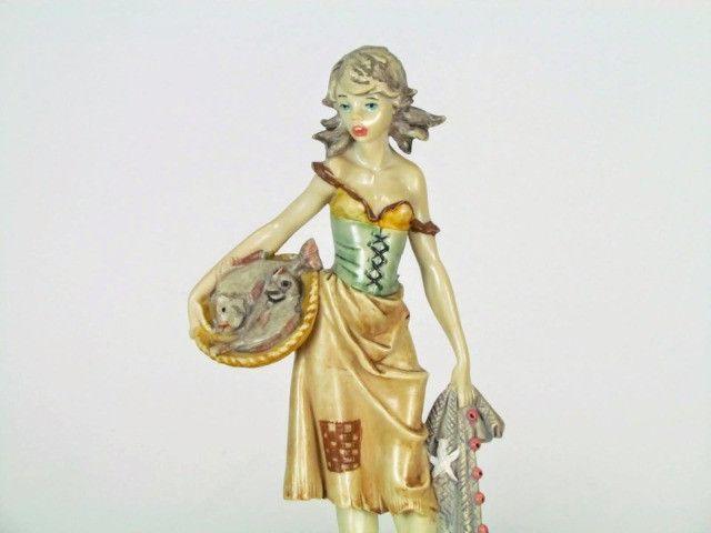 Estatueta resina figura feminina - Foto 4