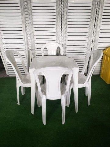Jogo de mesa e cadeira de plástico - Foto 2