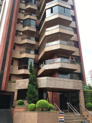 Apartamento com 3 dormitórios para alugar, 200 m² por R$ 2.500,00 - Centro - Uberlândia/MG