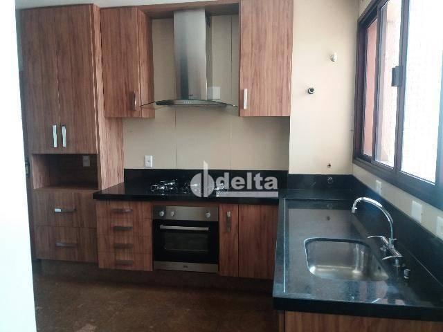 Apartamento com 3 dormitórios para alugar, 200 m² por R$ 2.500,00 - Centro - Uberlândia/MG - Foto 8