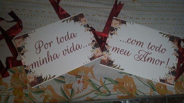Placas de cadeira dos noivos