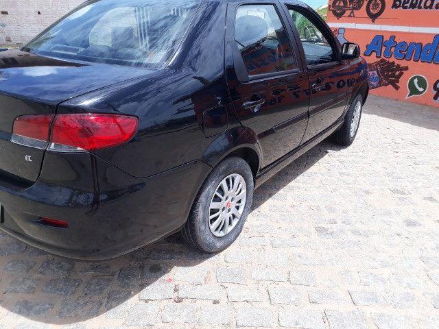 Fiat Siena 2014/2015 1.4 completo unico dono  - Foto 6