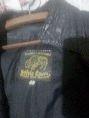Vendo 2 jaquetas de Couro  - Foto 3