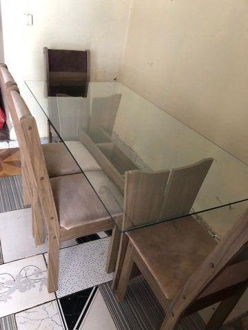 Mesa de vidro de MDF com 4 cadeiras  - Foto 3