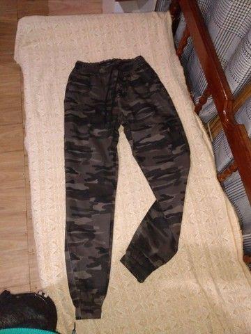 Calças jeans e moletom