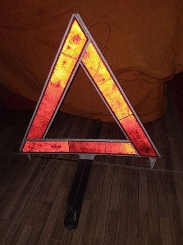 Triângulo veicular
