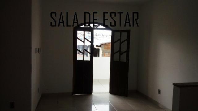 Aluga-se casa 3/4 em Itapuã