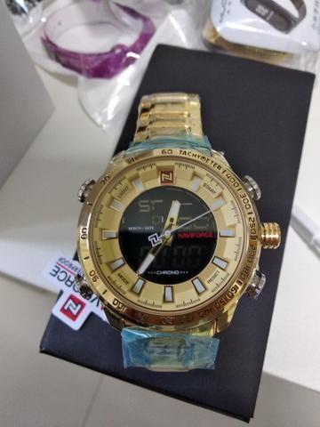 39178e6a839 Relógio Naviforce dourado a prova d água - Bijouterias